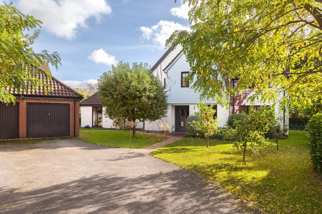 4 Bedrooms Detached House for sale in Sylva Lane, Hamble, Southampton, Hampshire SO31