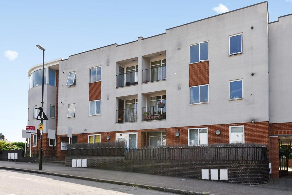 2 Bedrooms Flat for sale in Chudleigh Road, Brockley
