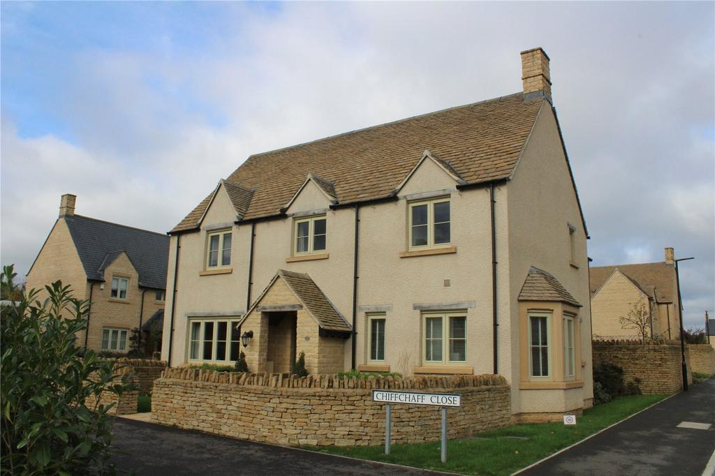 4 Bedrooms Detached House for sale in Chiffchaff Close, South Cerney, Cirencester, Gloucestershire