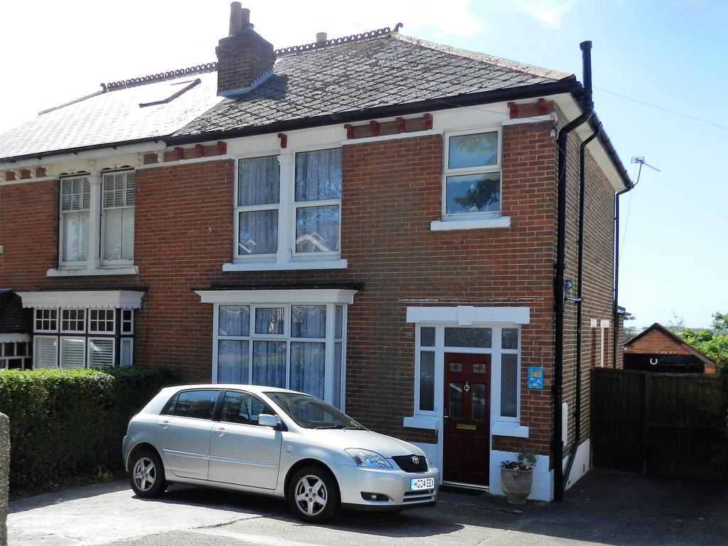 3 Bedrooms Semi Detached House for sale in Havant Road, Portsmouth, Hampshire PO6