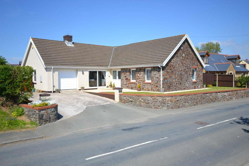 3 Bedrooms Detached Bungalow for sale in Freystrop