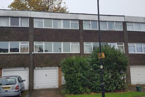 4 bedroom townhouse to rent - Heronsforde, London