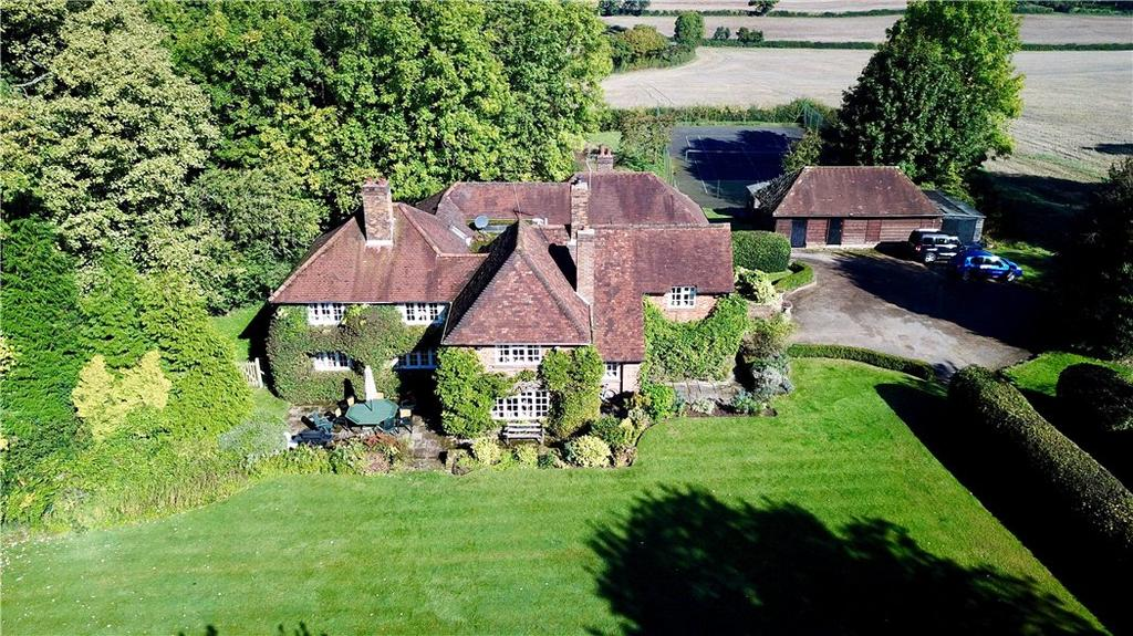 4 Bedrooms Detached House for sale in Knotty Green, Beaconsfield, Buckinghamshire, HP9