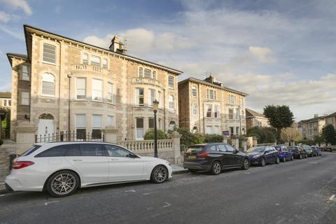 2 bedroom flat to rent - Osborne Road, Clifton