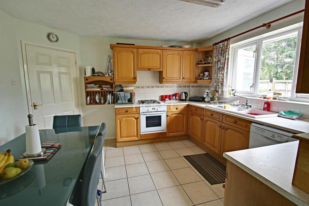 2 Bedrooms Bungalow for sale in Moat Way, Swavesey