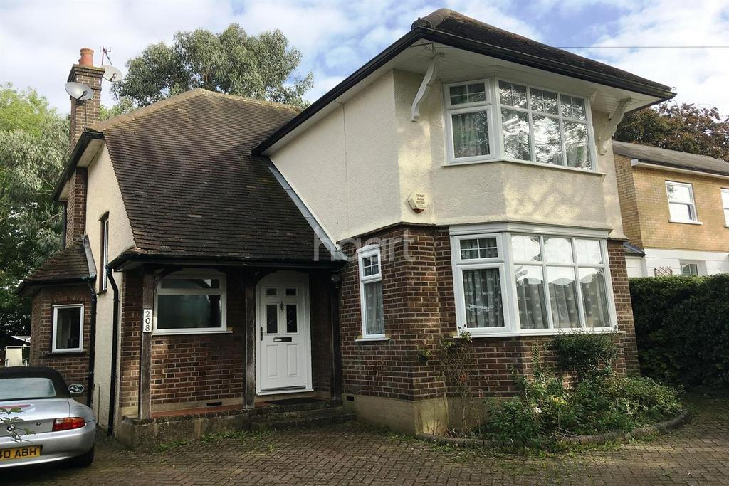 3 Bedrooms Detached House for sale in Abbots Road, Abbots Langley