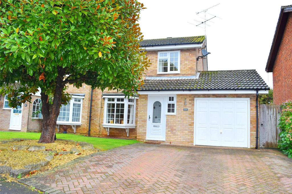 3 Bedrooms Semi Detached House for sale in Cotefield Drive, Leighton Buzzard