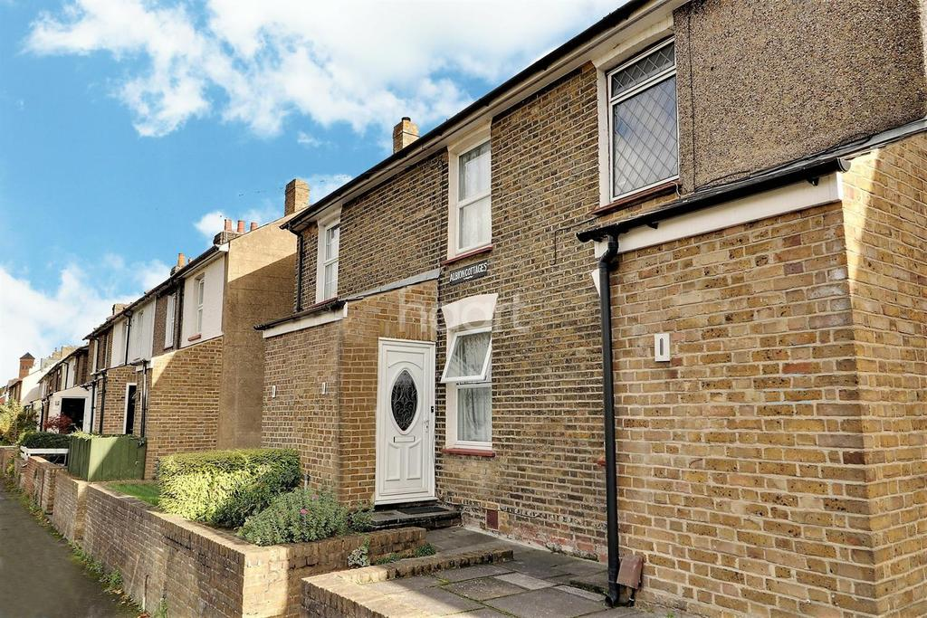 2 Bedrooms Terraced House for sale in Lower Road, Orpington