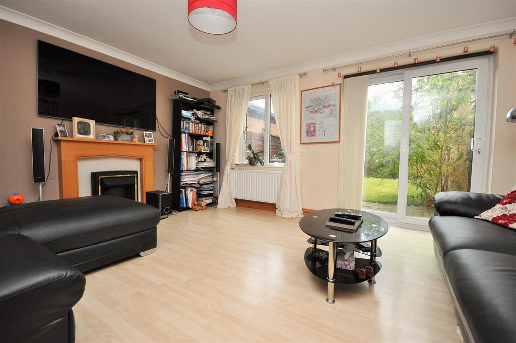 3 Bedrooms Semi Detached House for sale in Ebsay Drive, Clifton Moor, YO30 4XR