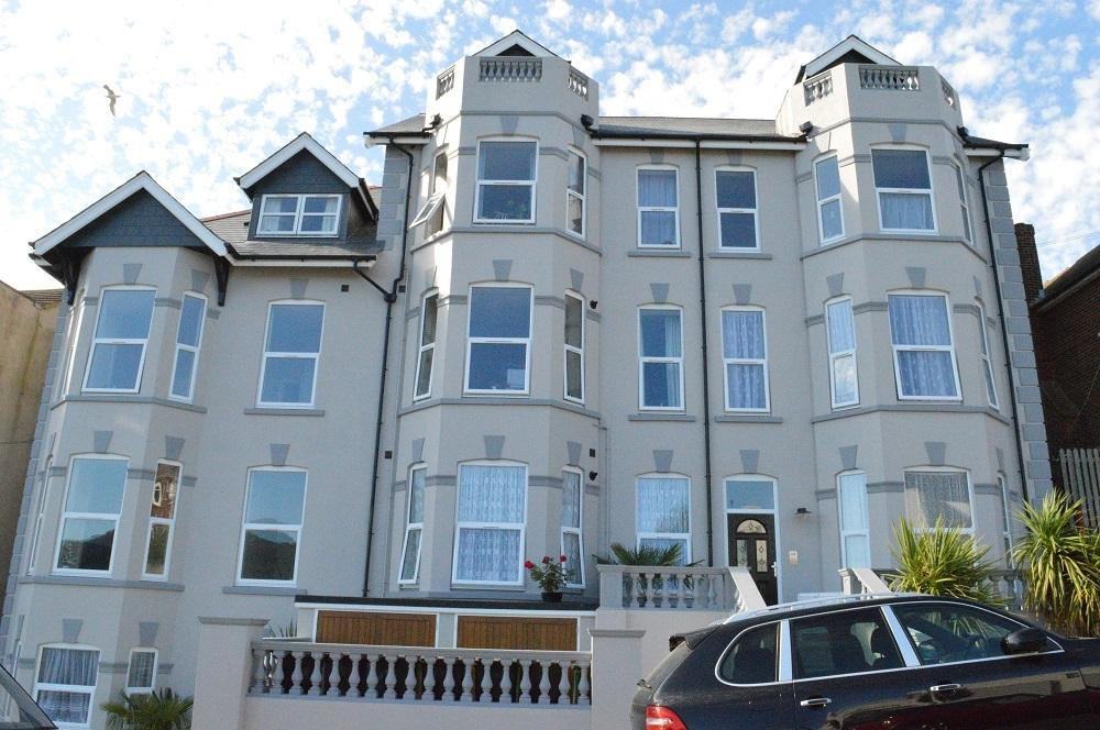 2 Bedrooms Maisonette Flat for sale in Ashburnham Road, Hastings TN35