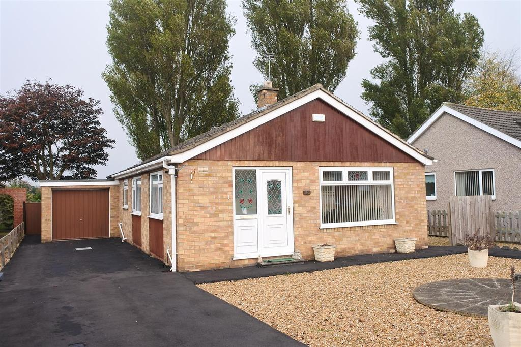 3 Bedrooms Detached Bungalow for sale in Hutchinson Drive, Northallerton