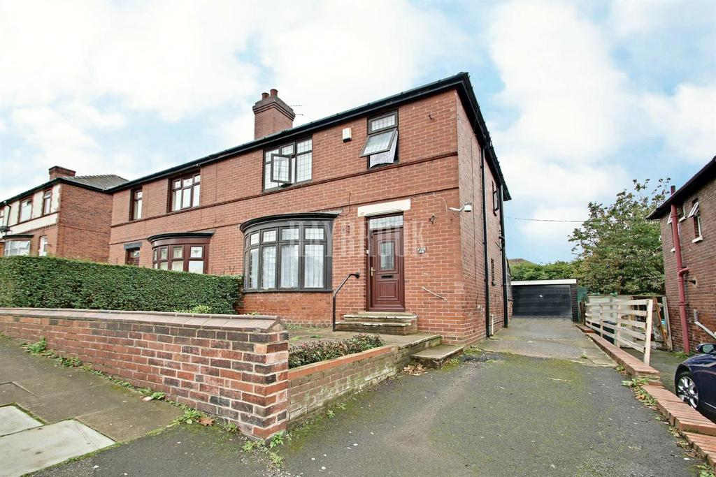 3 Bedrooms Semi Detached House for sale in Cranworth Road, Eastwood