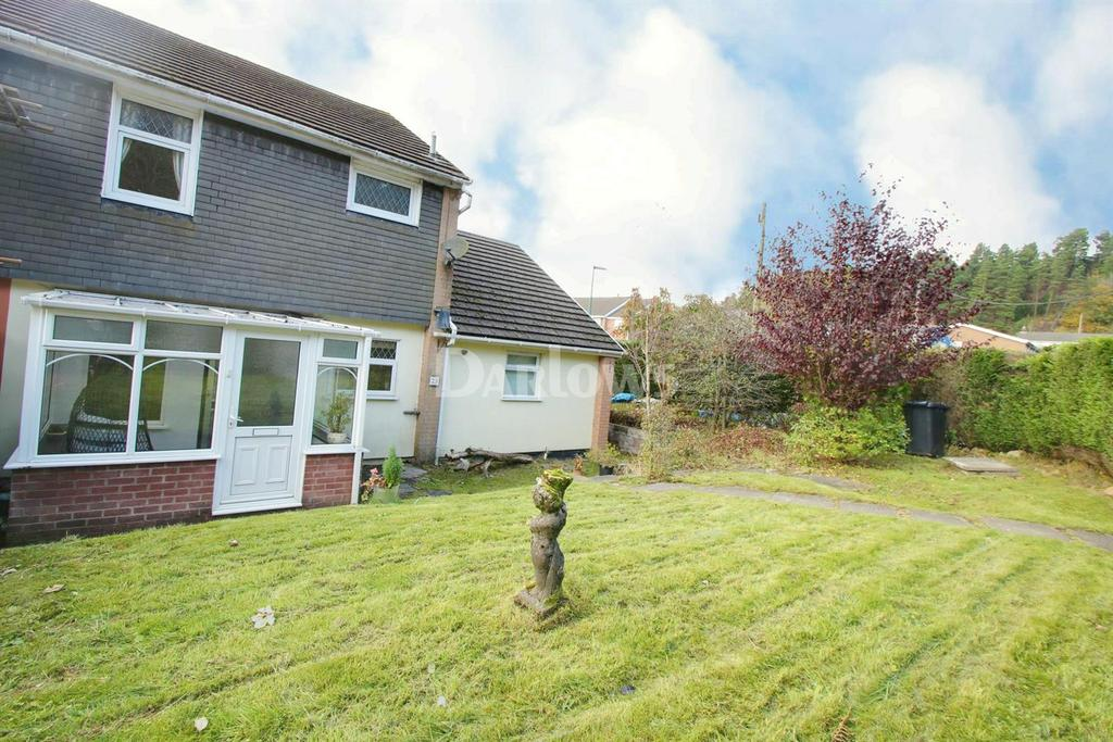4 Bedrooms Semi Detached House for sale in Brynawelon Road, Beaufort, Ebbw Vale, Gwent