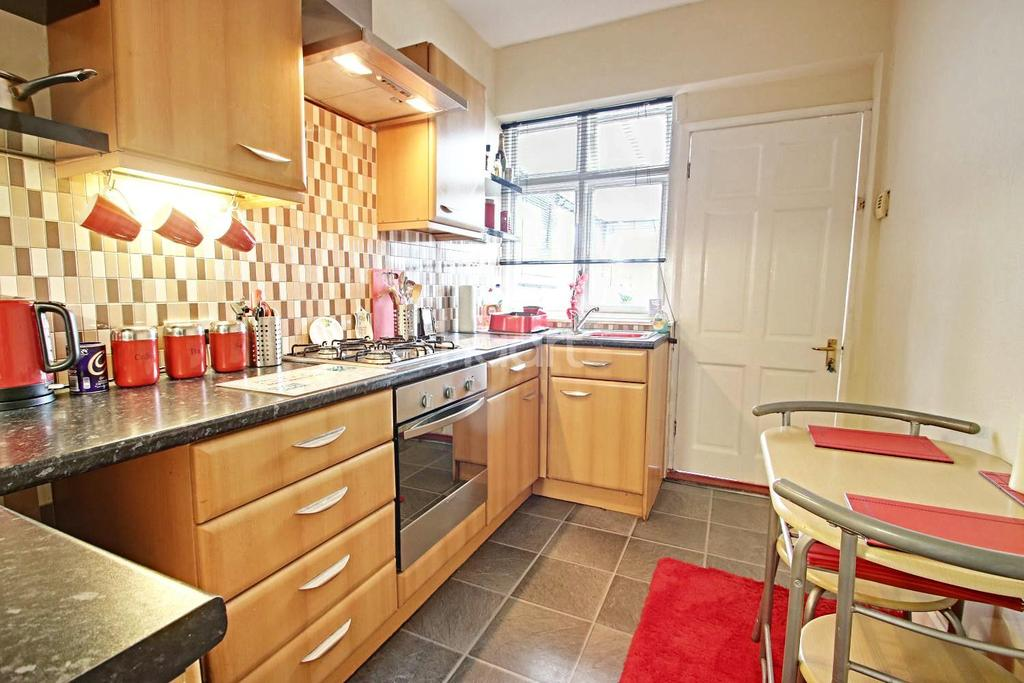 2 Bedrooms Bungalow for sale in Common Lane, Hucknall