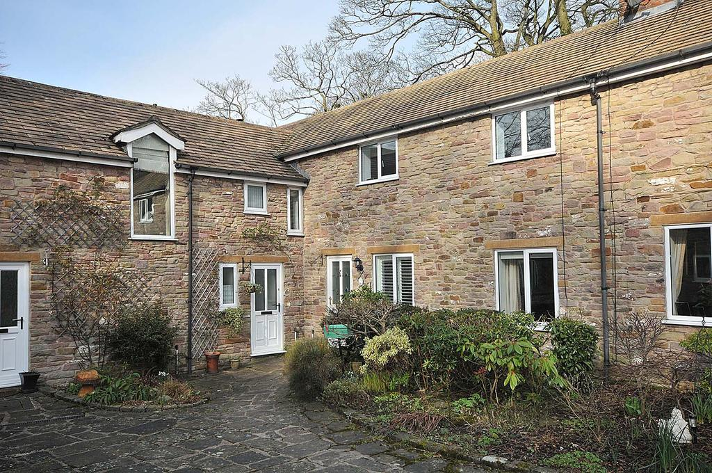 2 Bedrooms Mews House for sale in Langley, Macclesfield