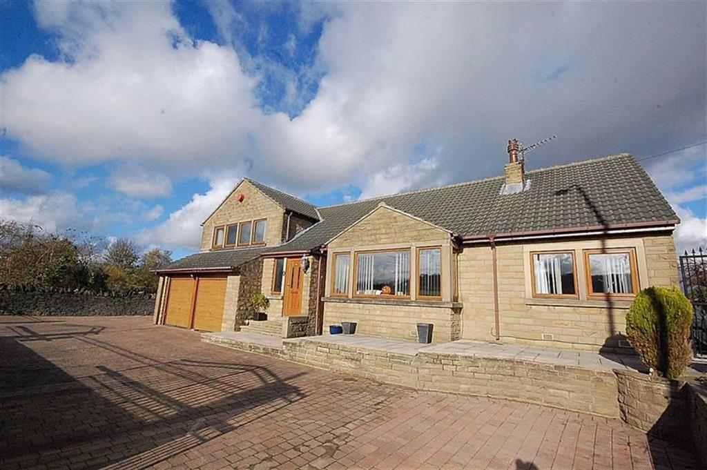 5 Bedrooms Detached Bungalow for sale in Dewsbury Road, Rastrick, Brighouse, HD6