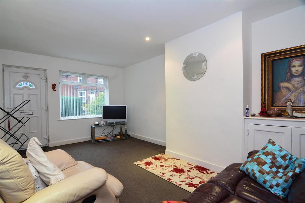 2 Bedrooms Terraced House for sale in Barnbrough Street, Burley