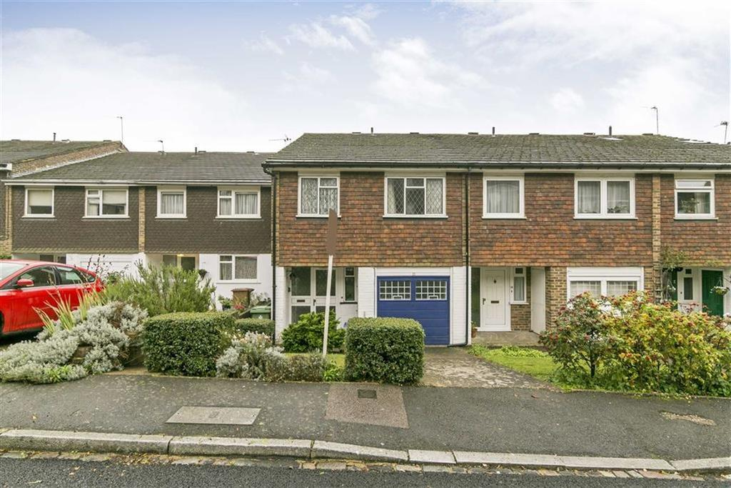 4 Bedrooms Semi Detached House for sale in Hillview, London