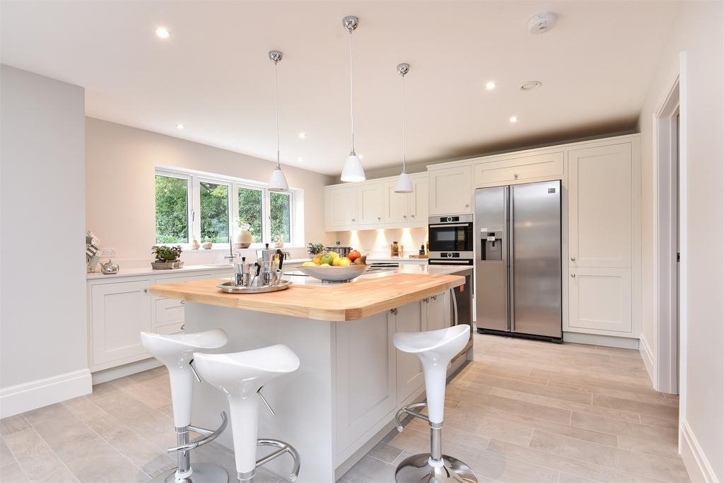 5 Bedrooms Detached House for sale in Hindhead, Surrey