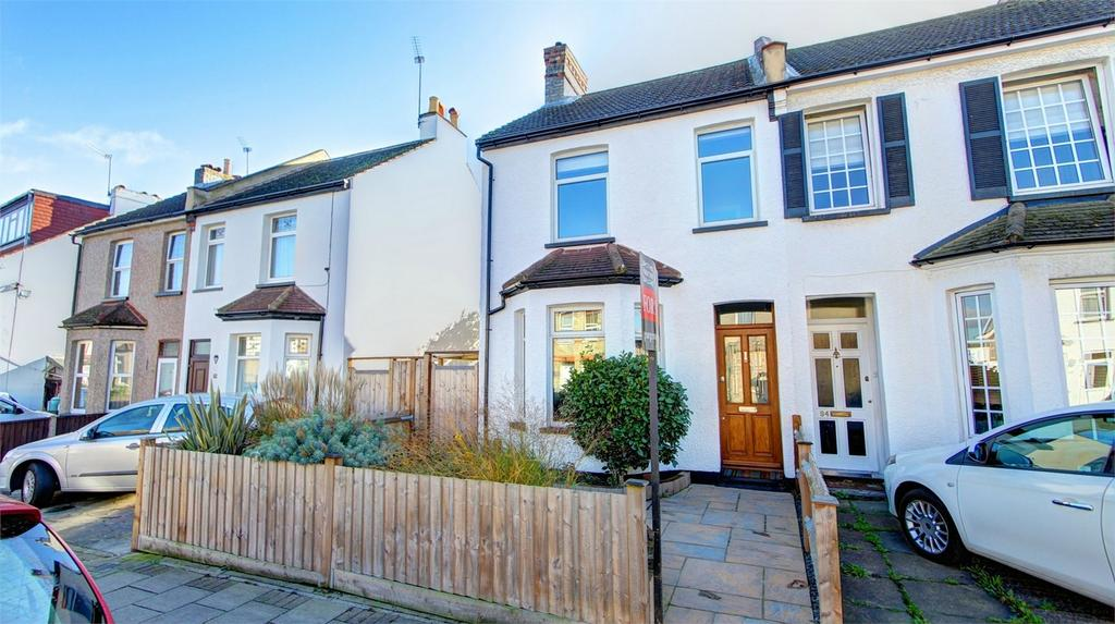 3 Bedrooms Semi Detached House for sale in Southlands Road, Bromley, Kent