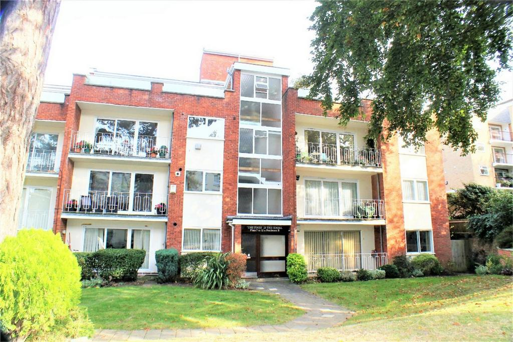 3 Bedrooms Flat for sale in 23 The Knoll, Beckenham