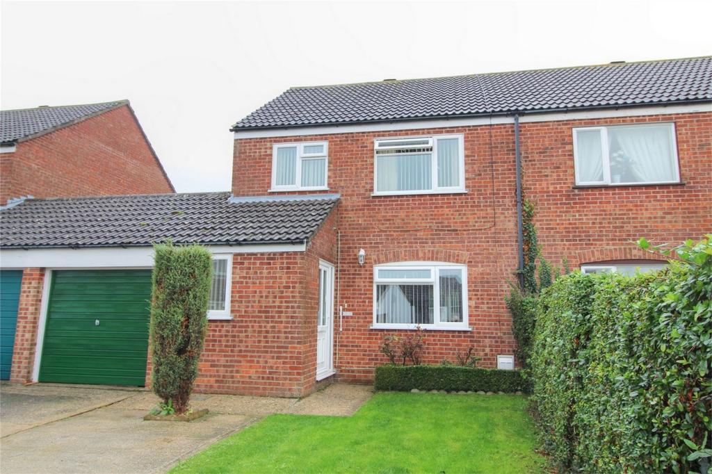 3 Bedrooms Semi Detached House for sale in Queensway IP25 6BL, Watton, THETFORD, Norfolk