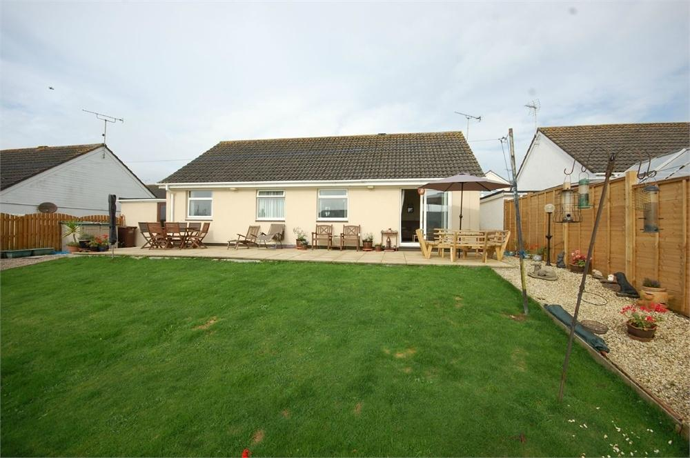 3 Bedrooms Detached Bungalow for sale in 29 Polmear Parc, Par