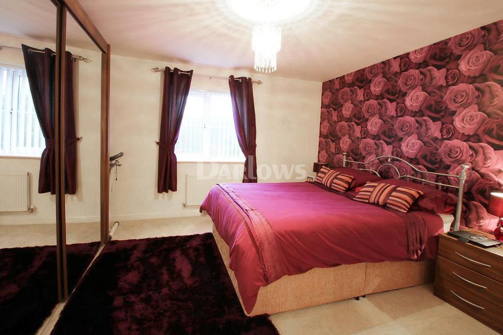 4 Bedrooms Semi Detached House for sale in Milfraen View, Brynmawr, Ebbw Vale, Blaenau Gwent