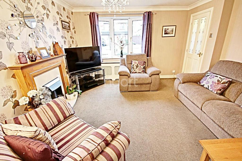 5 Bedrooms Semi Detached House for sale in Scalborough Close, Countesthorpe, Leicester