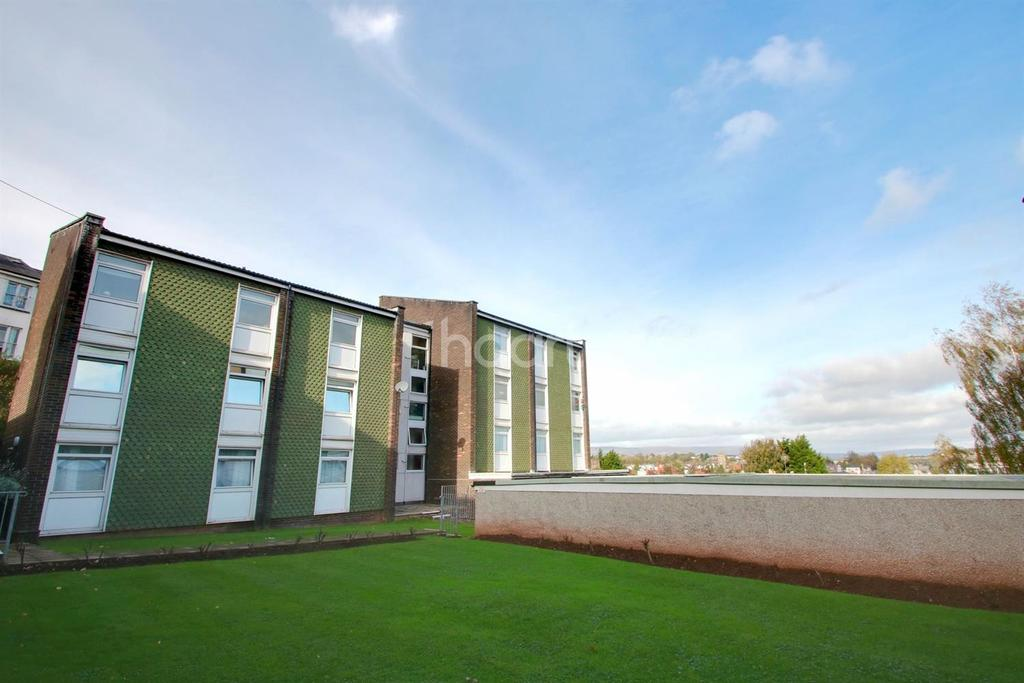2 Bedrooms Flat for sale in Cathedral Court, Newport, NP20