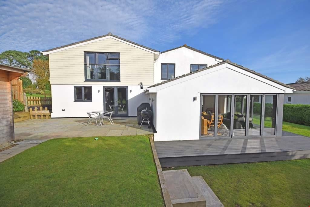 5 Bedrooms Detached House for sale in Par, Nr. Fowey, Cornwall, PL24