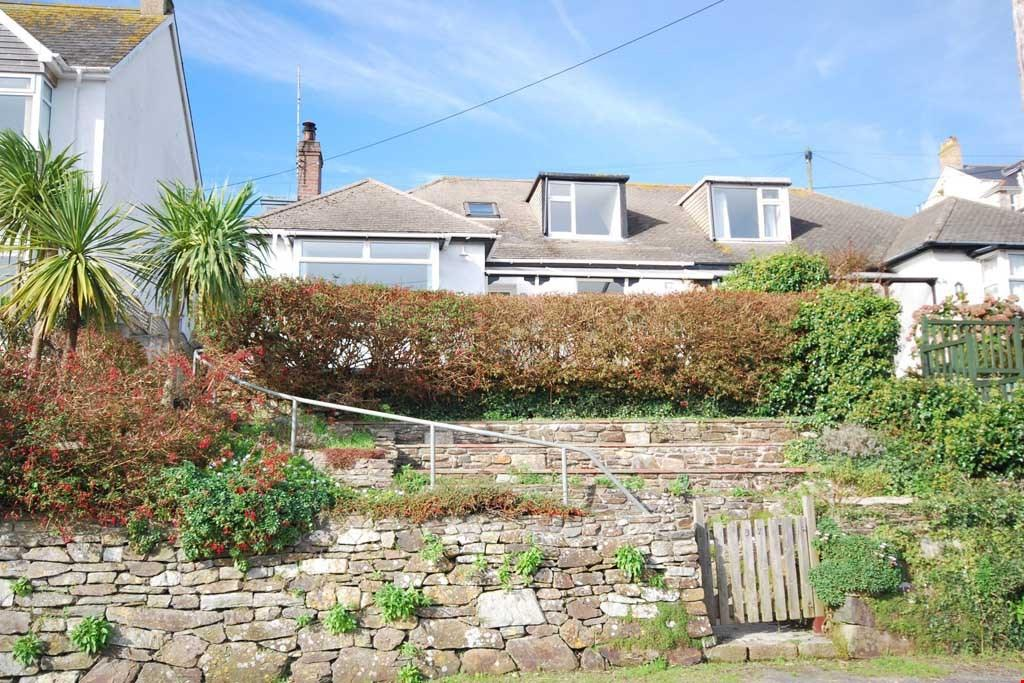 4 Bedrooms Semi Detached House for sale in Perranporth, Nr. Truro, Cornwall, TR6