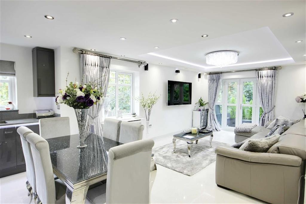 2 Bedrooms Flat for sale in Claregate, Potters Bar, Hertfordshire