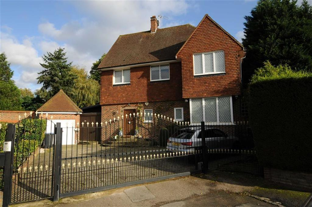 4 Bedrooms Detached House for sale in Fairgreen, Hadley Wood, Herts, EN4