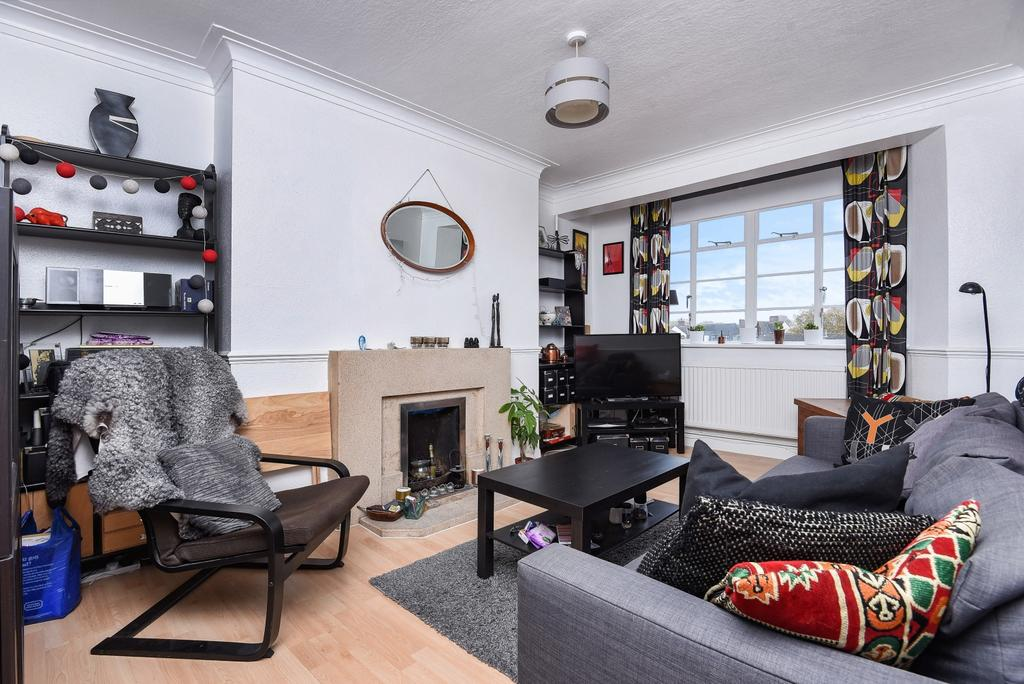 1 Bedroom Flat for sale in Streatham High Road London SW16