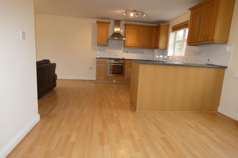 2 Bedrooms Ground Flat for sale in Heyford House, Carterton, Oxon