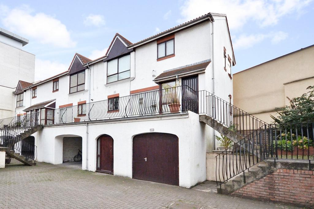 2 Bedrooms Apartment Flat for sale in Barrack Road