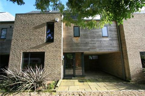 4 bedroom terraced house to rent - Seaby's Yard, Richmond Road, Cambridge
