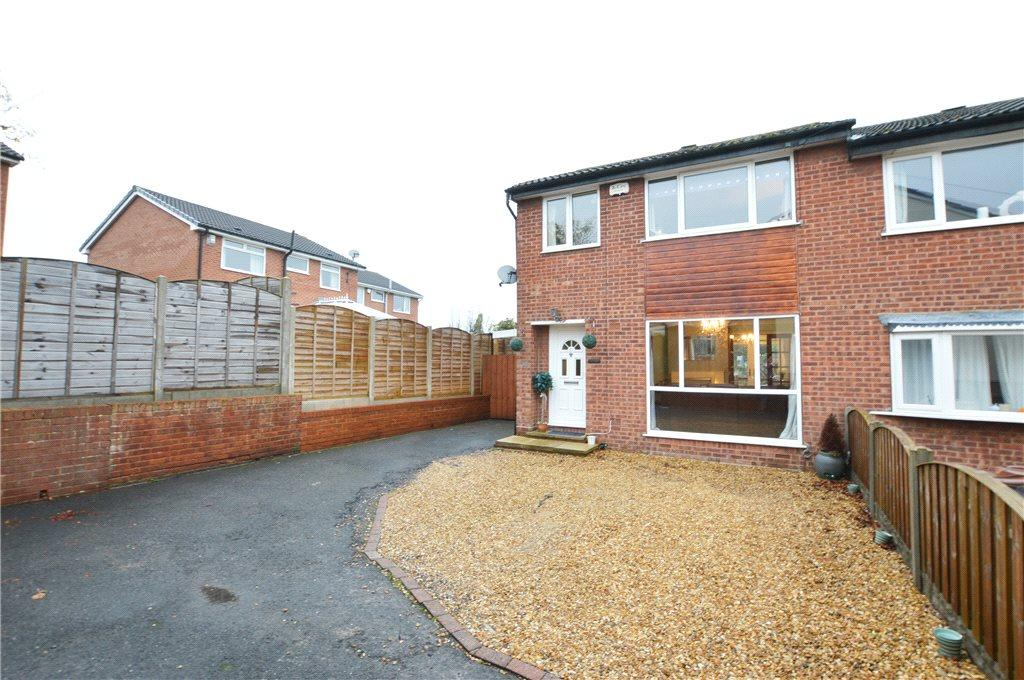 3 Bedrooms Semi Detached House for sale in Sandgate Drive, Kippax, Leeds, West Yorkshire