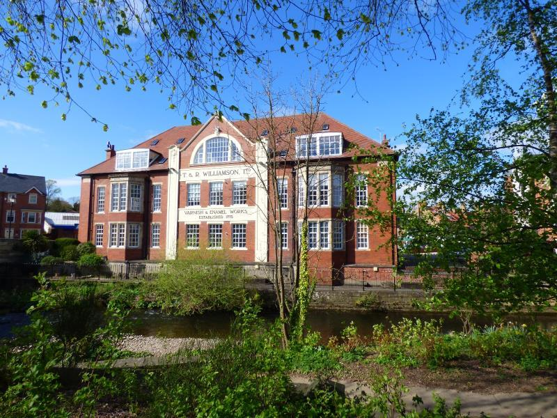 2 Bedrooms Apartment Flat for sale in WILLIAMSON HOUSE, LOW SKELLGATE CLOSE, RIPON, HG4 1WF