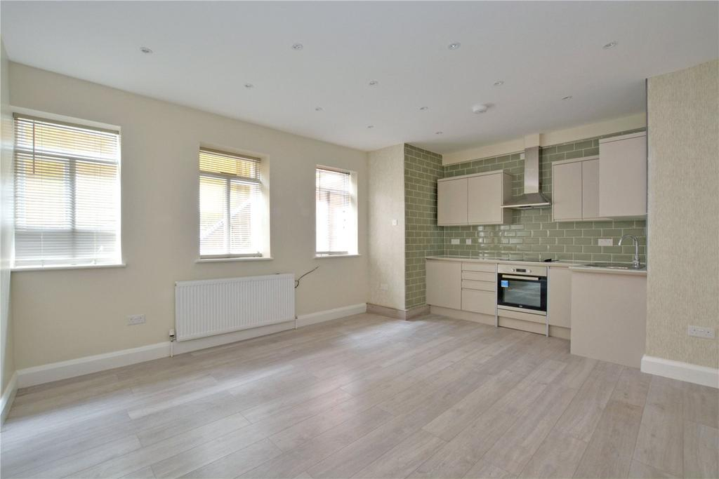 2 Bedrooms Flat for sale in Summerhill Villas, Susan Wood, Chislehurst, BR7