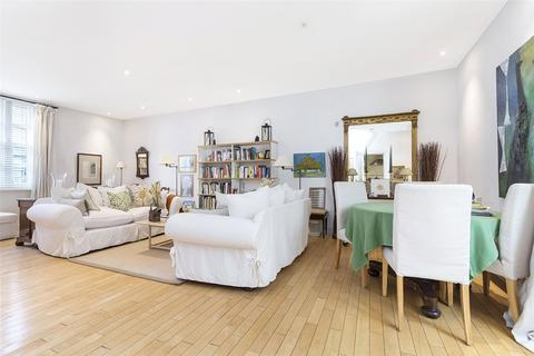 3 bedroom house to rent - Devonshire Mews West, London, W1G
