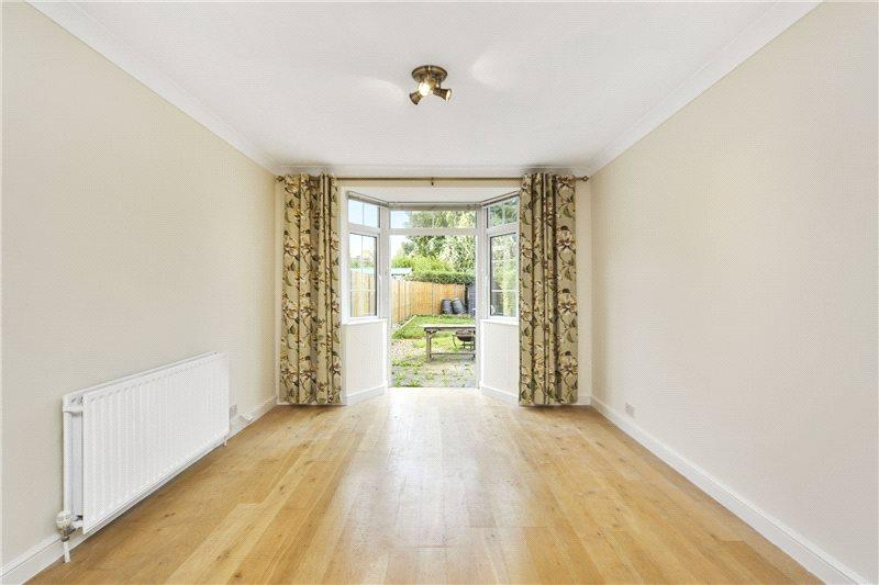 3 Bedrooms Terraced House for sale in Wormholt Road, London, W12