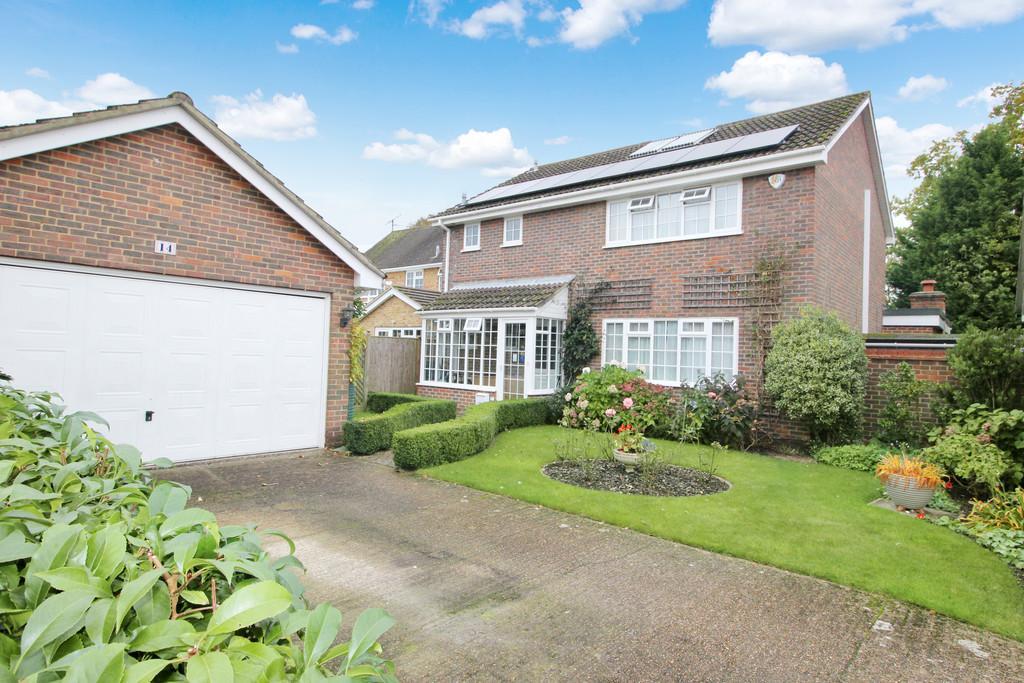 4 Bedrooms Detached House for sale in Rapley Avenue, Storrington