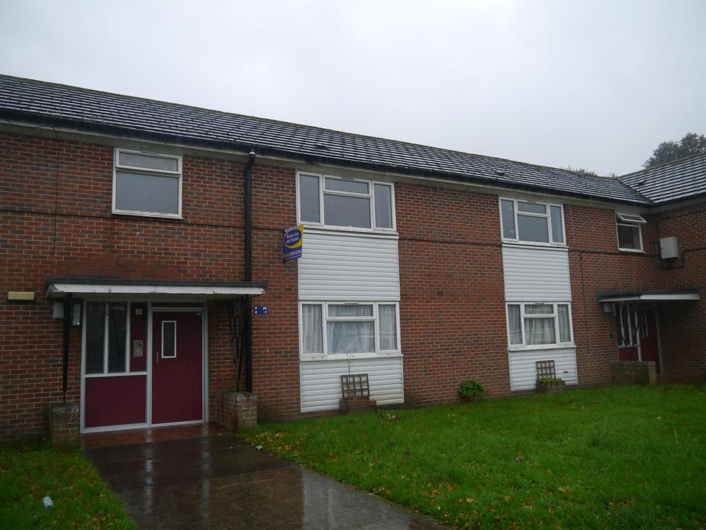 2 Bedrooms Flat for sale in Pendas Park, Penley, Wrexham, LL13 0NN