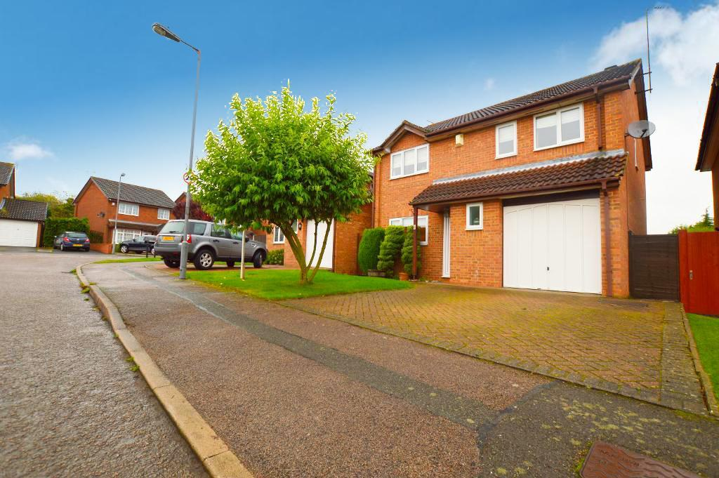4 Bedrooms Detached House for sale in Allendale, Luton, LU3 4AU