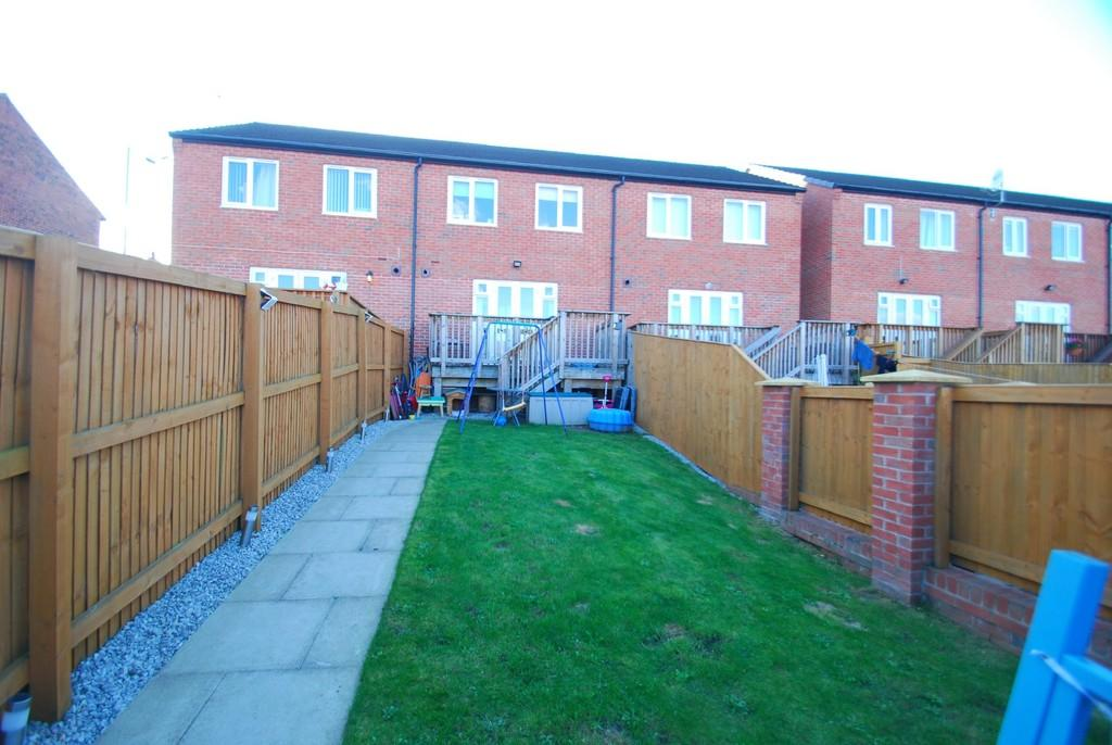 3 Bedrooms Town House for sale in Rookery View, Barnsley S70