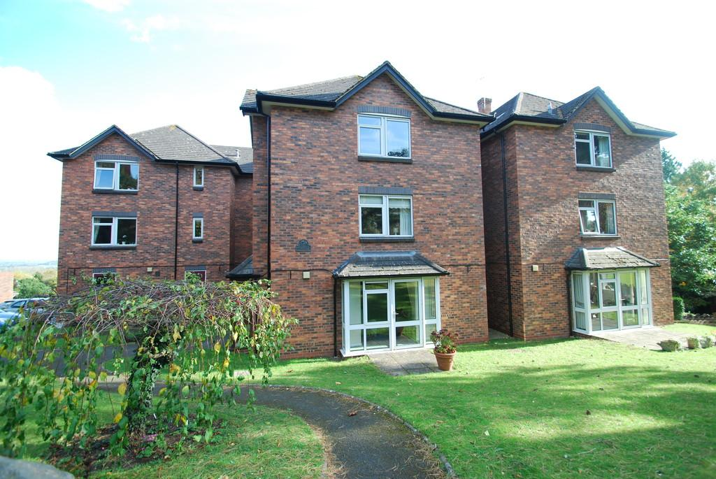 1 Bedroom Apartment Flat for sale in Crellin House, Priory Road