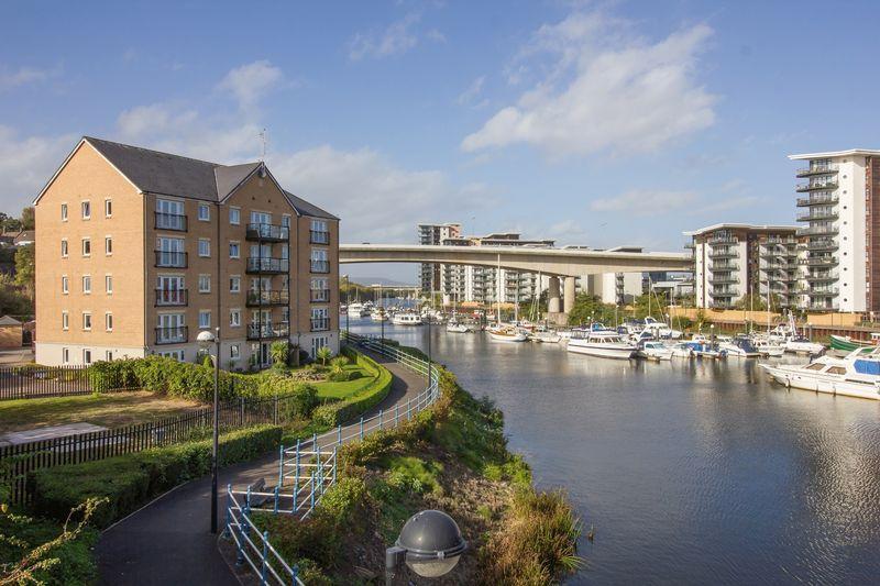 2 Bedrooms Apartment Flat for sale in River Walk, Penarth