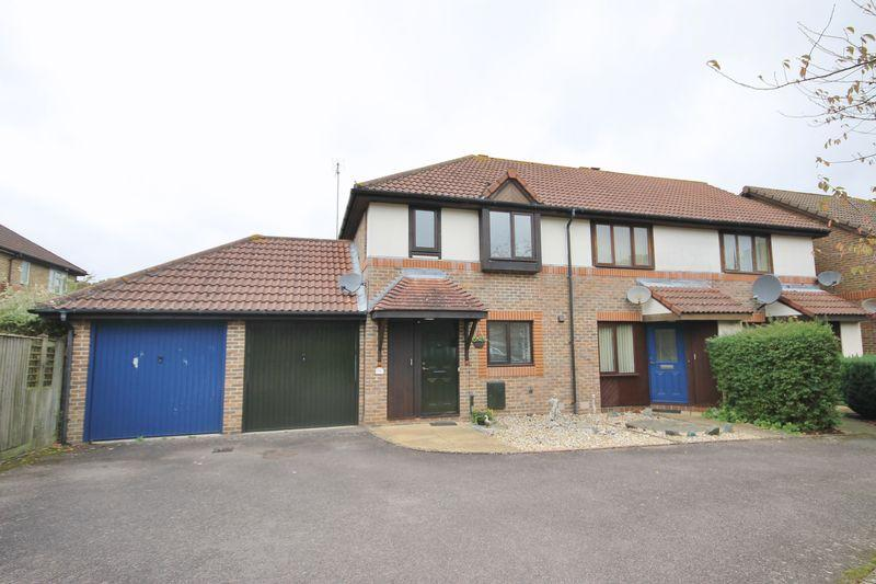 2 Bedrooms End Of Terrace House for sale in Mayhouse Road, Burgess Hill, West Sussex
